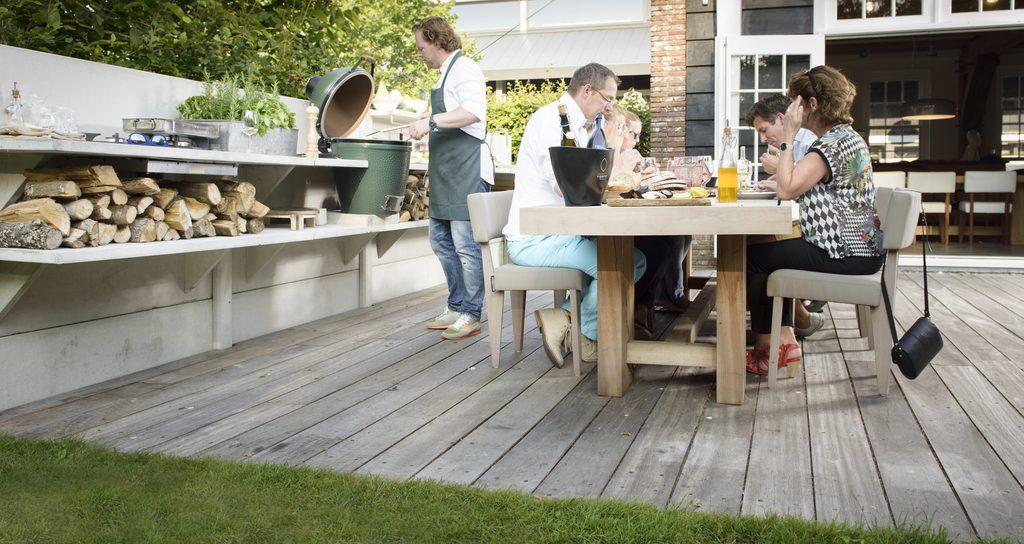 1-zahradni-kuchyne-stena-police-wwoo-fresh-concepts