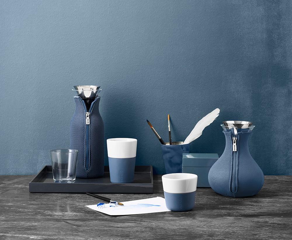 Moonlight modrý, izolační neoprenový obal udržuje čaj horký.