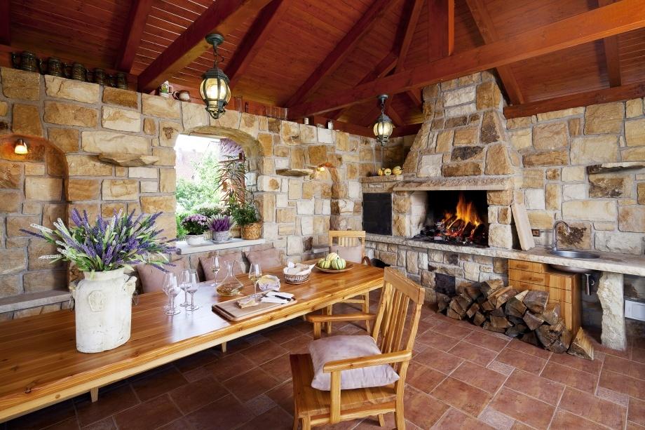 4-venkovni-kuchyn-prirodni-obklad-kamen-hrdina-ceske-piskovce