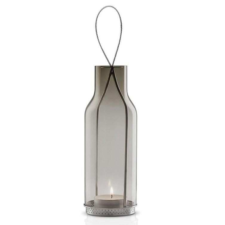 Skleněná lucerna na čajovou svíčku, vhodná do interiéru i exteriéru.