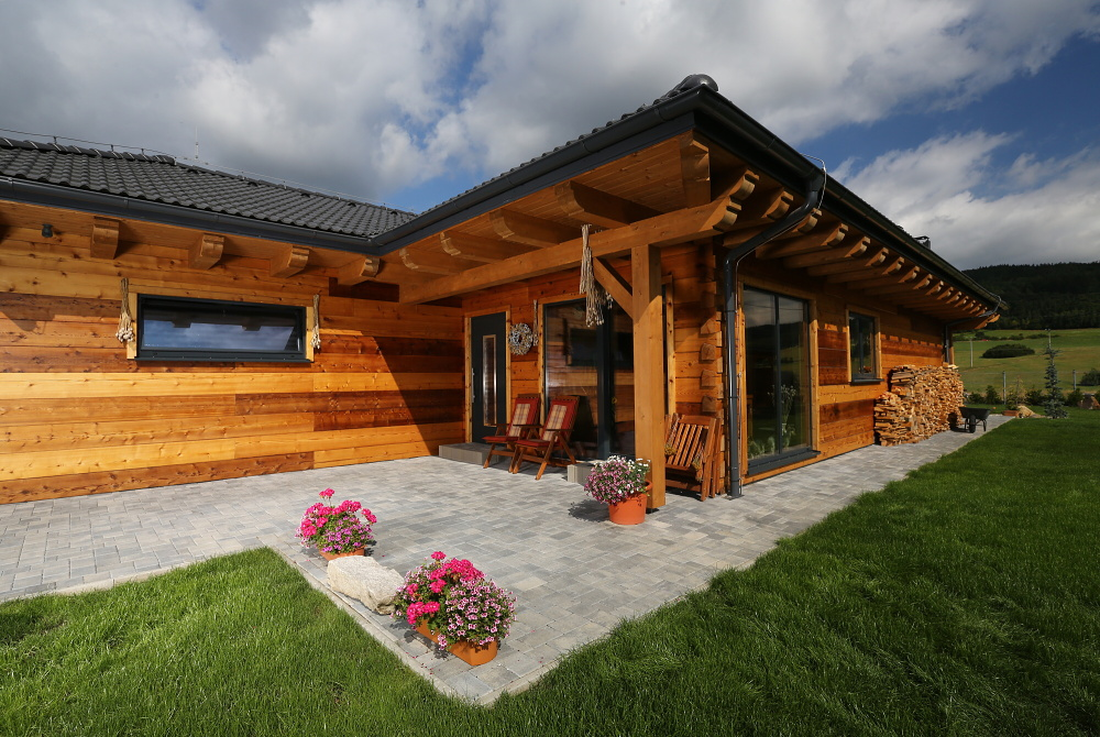 9-history-dekorativni-betonova-dlazba-colormic-noarblanc-cs-beton